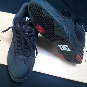 DC shoes maswell black/red size 8